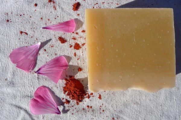 savon bio fabriqué par la sittelle, cosmétiques bio dans les Cévennes.